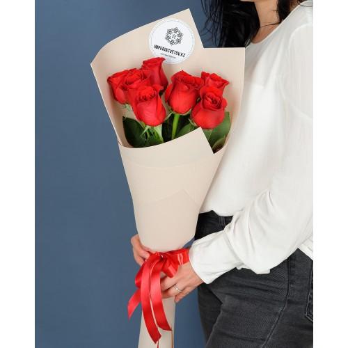 Купить на заказ Букет из 7 роз с доставкой в Макинске