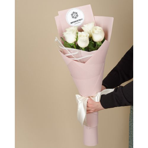Купить на заказ Букет из 5 роз с доставкой в Макинске