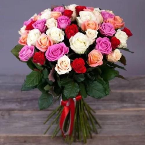 Купить на заказ Букет из 31 розы (микс) с доставкой в Макинске